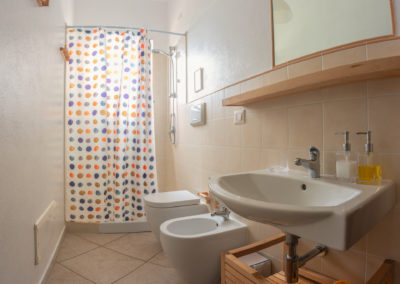 b&b bbfiore pula sardinia sardegna room 1 bathroom shower 2