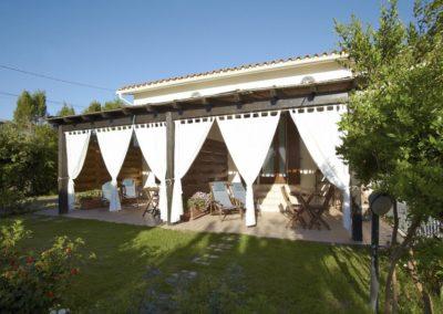 B&B Fiore Pula Sardinia Room 2 and 3 Verandas Garden
